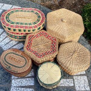 Vintage Set of 6 Little Baskets Bins Lids Wicker